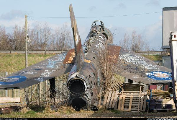 Lightning take off The A1 Lightning: Britains Most Famous Derelict Fighter Plane