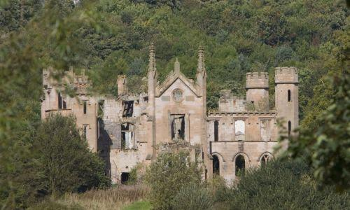 abandoned mansions cambusnethan priory3 The Ruins: Talisay Citys Haunting Skeleton of an Abandoned Mansion