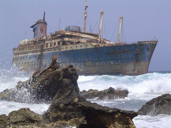 ss american star 10 Amazing Above Water Shipwrecks