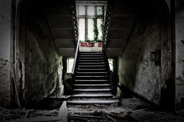 Castle Of Mesen Urban Explorers Document A Haunting Ruin