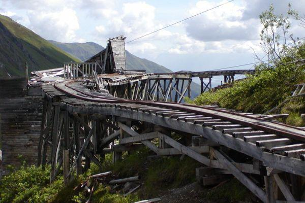 Independence Mine Skarvanes: From Winter Ghost Town to Summer Resort