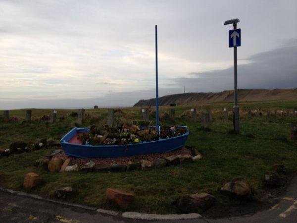 optimist-boat-plants-flowers-fife-scotland-earlsferry