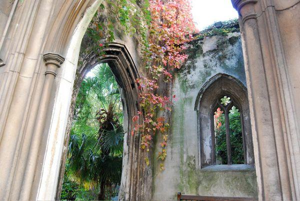 St Dunstan-in-the-East: Bombed-Out Church Re-imagined as Peaceful Urban Garden