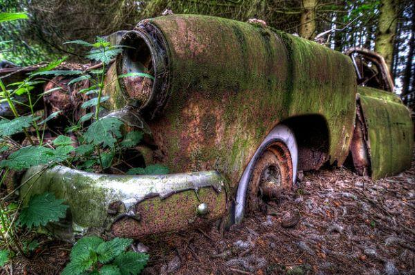 chatillon-car-graveyard-5