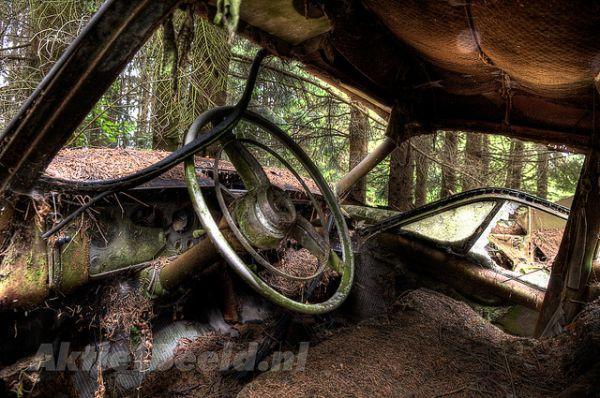 chatillon-car-graveyard-7