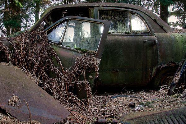 chatillon-car-graveyard-9