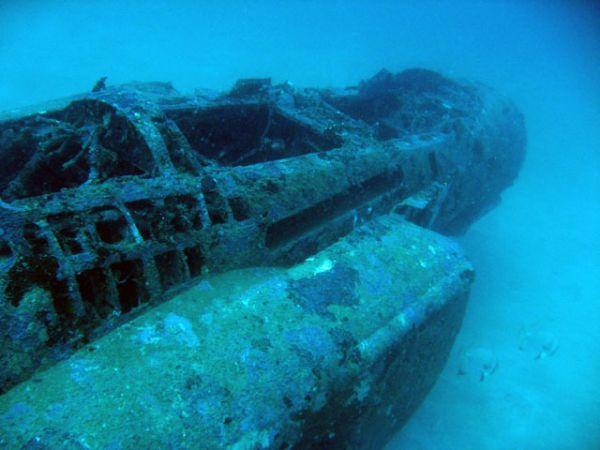 subic-bay-f-4-phantom-sunk-3