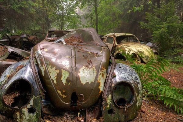 car-graveyard-chatillon-belgium-4