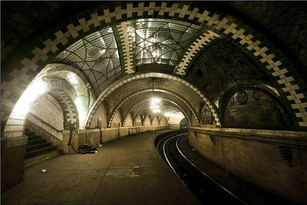 Nyc S Disused Subterranean City Hall Subway Station