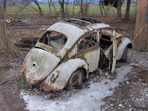 kaufdorf-car-graveyard-switzerland-19