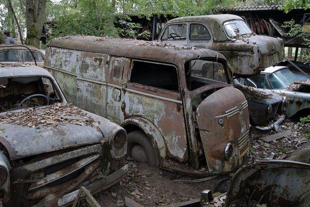 10 Abandoned Car Amp Vehicle Graveyards Of The World Urban