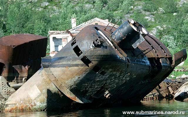 submarine-graveyard-abandoned-kola-peninsula-3