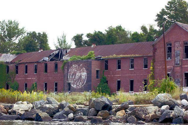 hart-island-abandoned