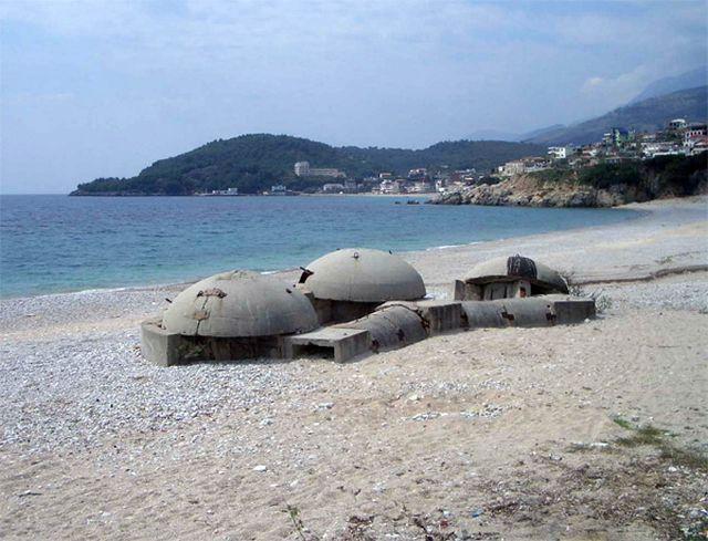 albania-abandoned-bunker-2