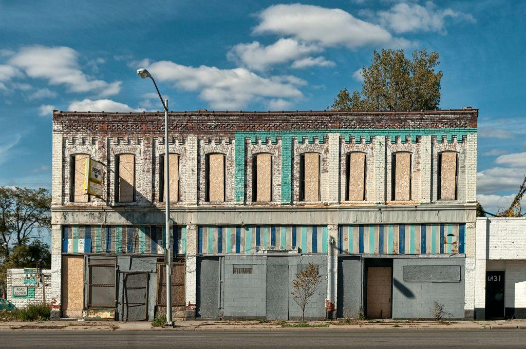 20 photos of urban decay in detroit urban ghosts media