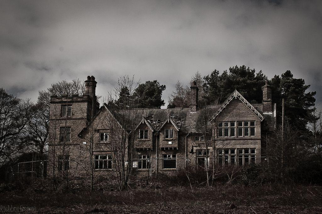 thornseat-lodge-abandoned-hunting-lodge-derbyshire
