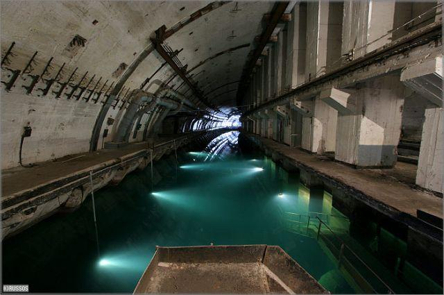 balaklava-abandoned-submarine-base-ukraine-3