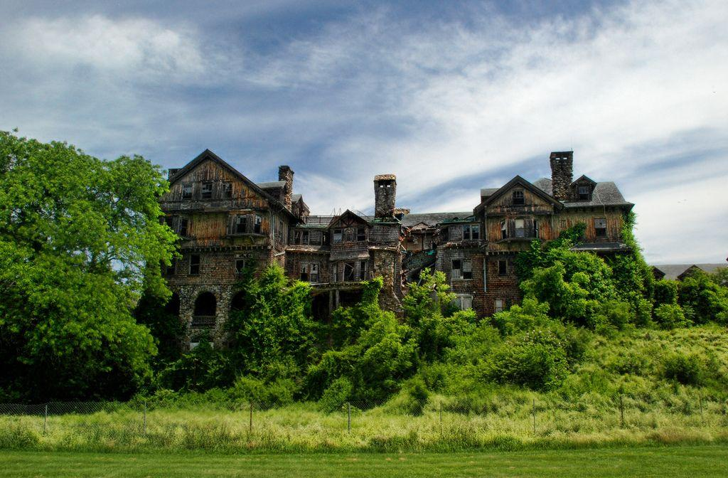 bennett-college-abandoned-new-york