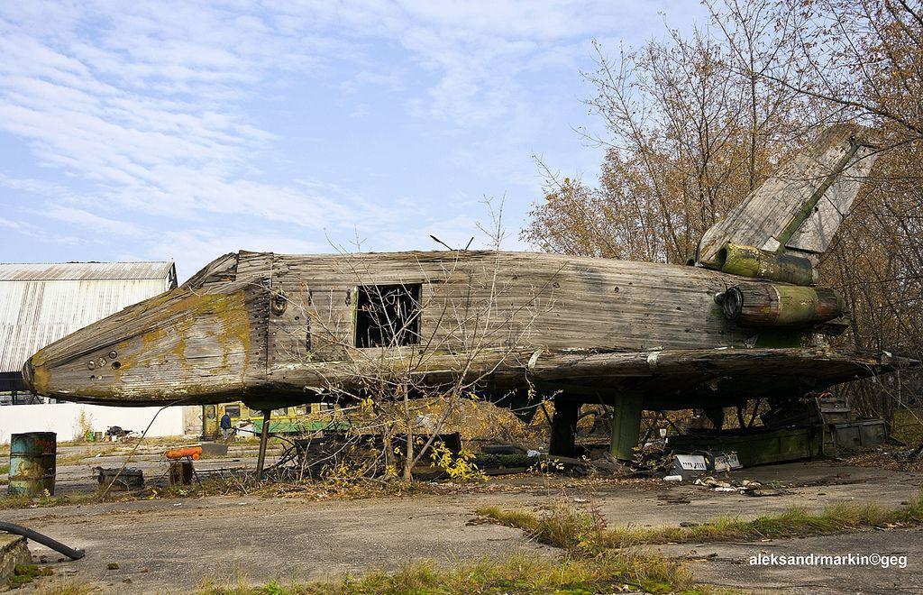 abandoned-buran-wooden-wind-tunnel-model-5