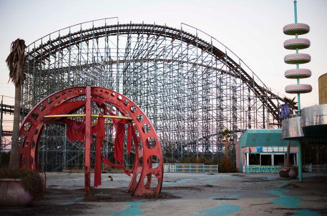 abandoned-six-flags-new-orleans-theme-park