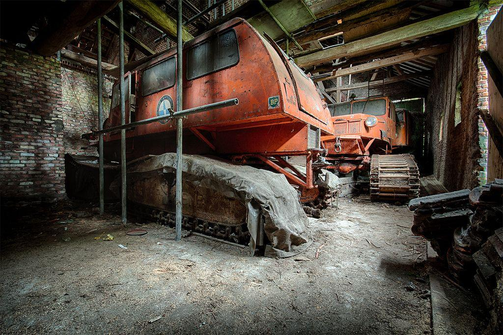 abandoned-tucker-sno-cat-belgium