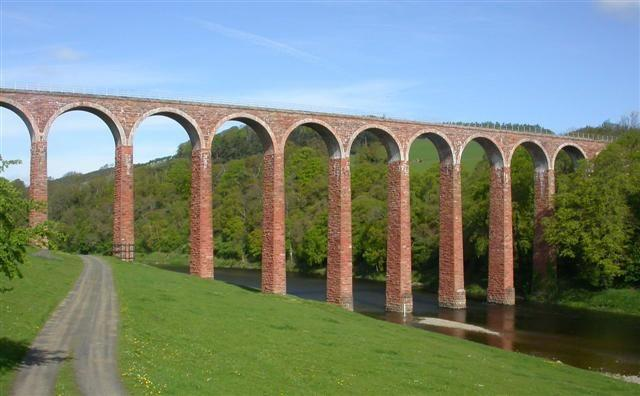 leaderfoot-viaduct-abandoned-scotland