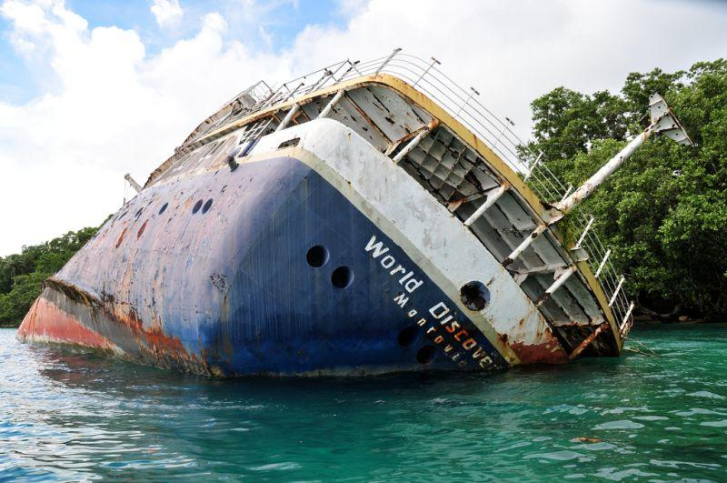 abandoned-cruise-ship-wreck-world-discoverer-3