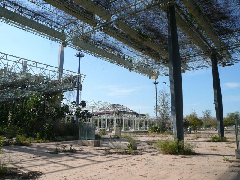 seville-exposition-abandoned-monorail-3