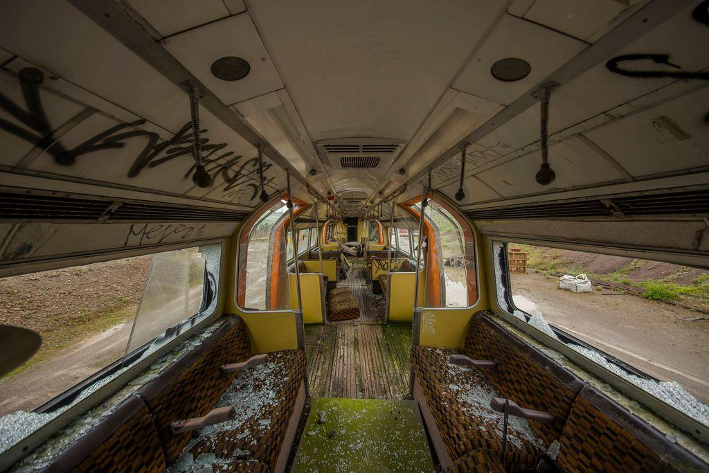 abandoned-jubilee-line-trains-harpur-hill-derbyshire-4