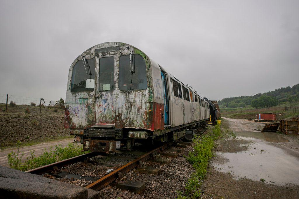 abandoned-jubilee-line-trains-harpur-hill-derbyshire-7
