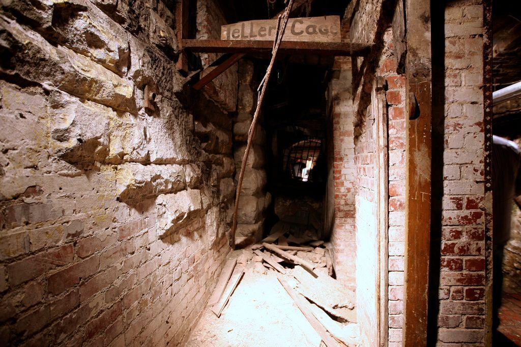 Seattle Underground Mysterious Subterranean Passageways