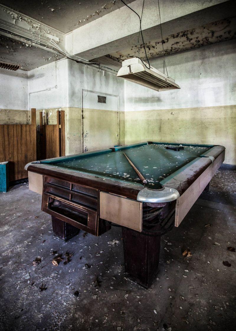 14 Abandoned Snooker Tables Billiard Rooms Amp Pool Halls