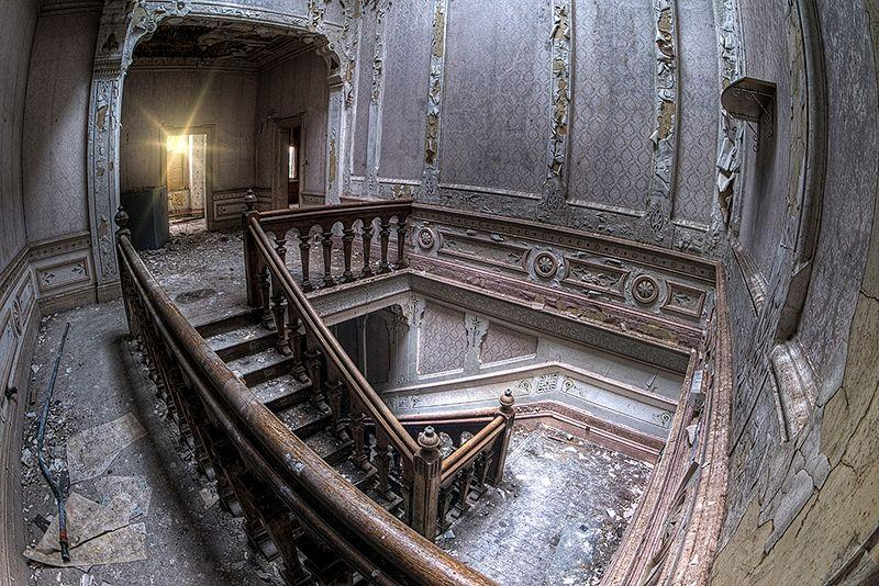 manor-house-abandoned-2