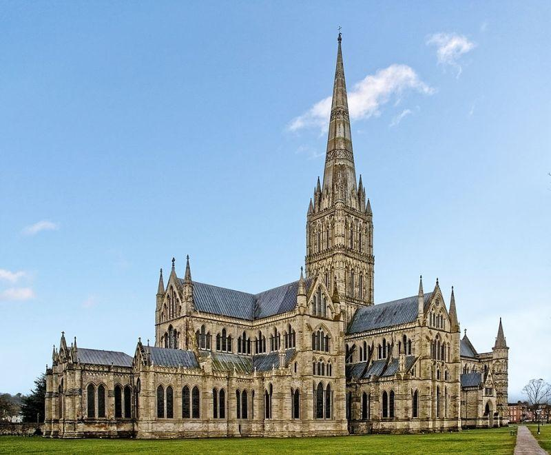 salisbury-cathedral-in-the-uk