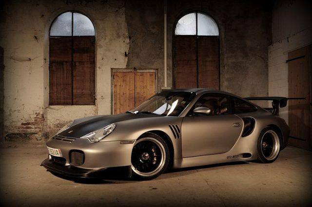 "Awesome Shots of Porsche GT2 RTS3 Inside an ""Abandoned Building"""