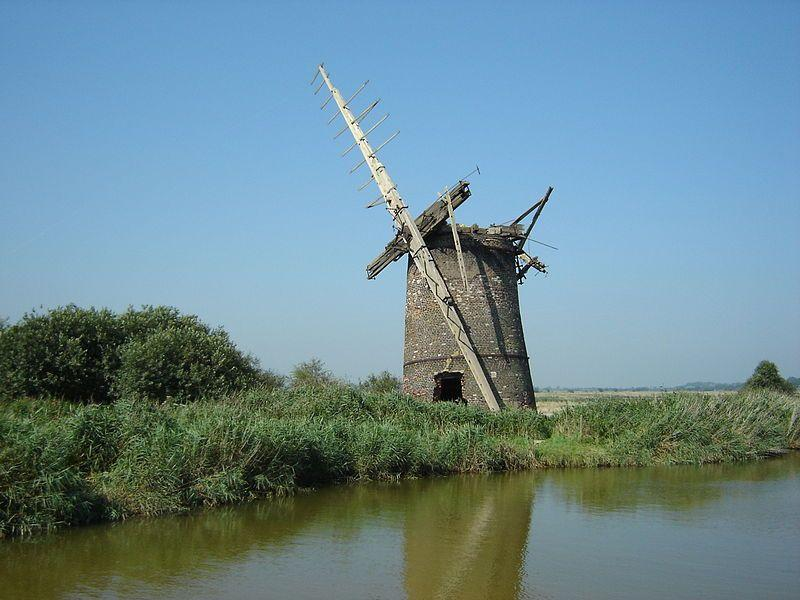 abandoned-brograve-mill-on-the-norfolk-broads