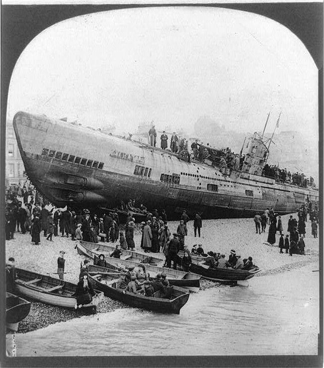 U-118: Wrecked German U-boat Washed up on Hastings Beach ...