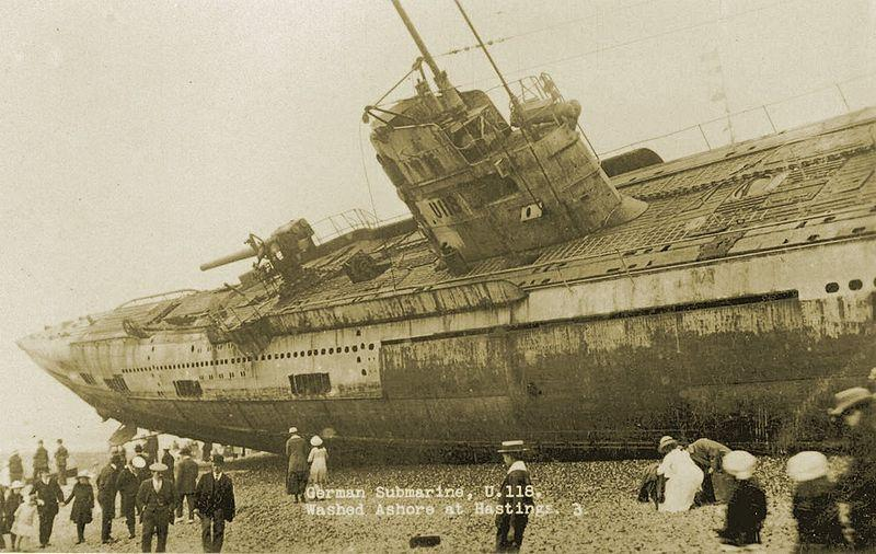 shipwrecked-u-boat-sm-u-118-at-hastings-in-1919