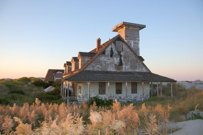 Abandoned Coast Guard life-saving station at Oregon Inlet, NC before restoration