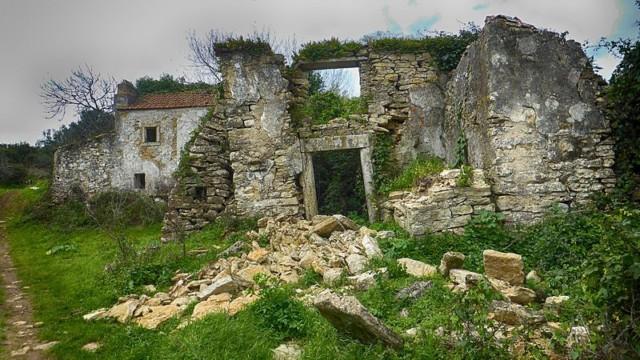 Aldeia de Broas: A Ruined Portuguese Ghost Village